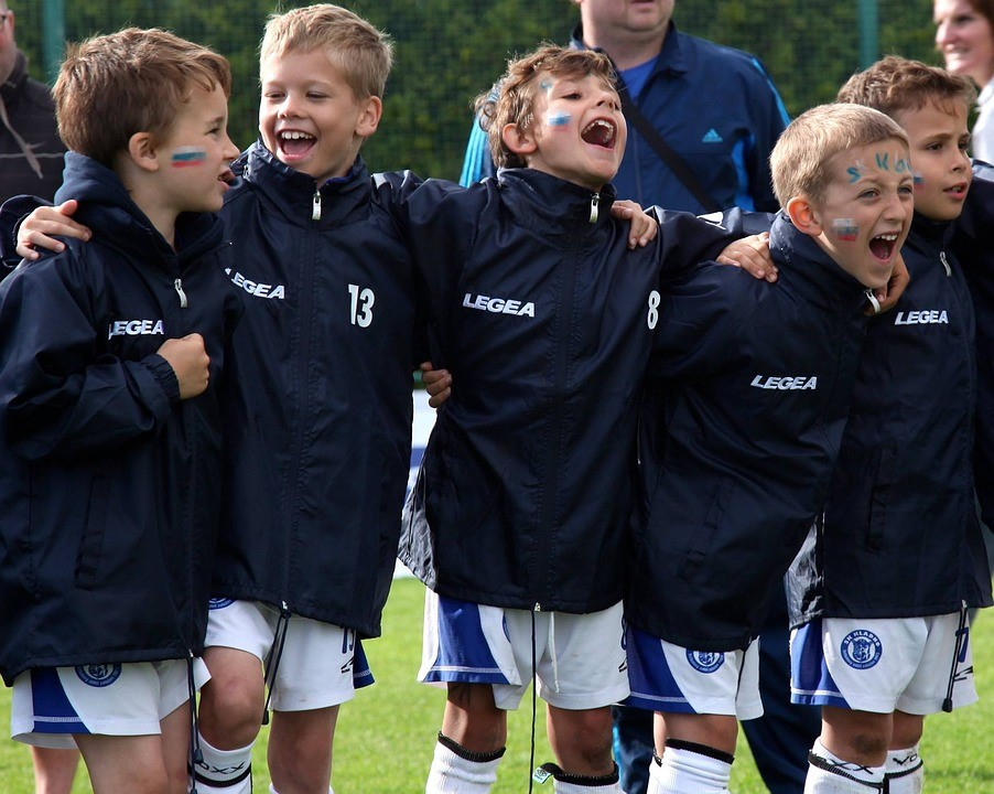 サッカー, チーム, ゲーム, 感情, 喜び, 楽しい, スポーツ, フットボール選手, フィールド, 男の子